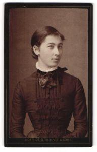 Fotografie G. Th. Hase & Sohn, Freiburg i/B, Portrait bürgerliche junge Dame