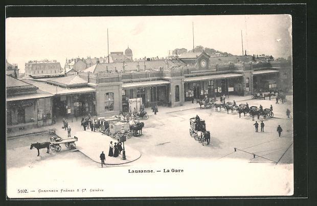 AK Lausanne, Partie am Bahnhof mit wartenden Kutschen