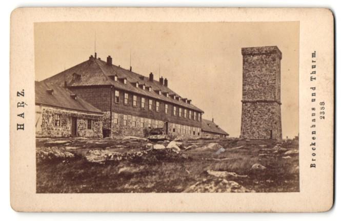 Fotografie unbekannter Fotograf, Ansicht Brocken, Brockenhaus und Turm