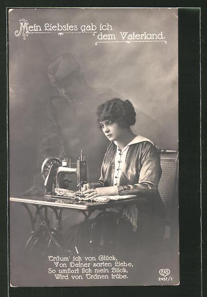 Foto-AK Mein Liebstes gab ich dem Vaterland, Junge Frau an Schreibmaschine und Geist