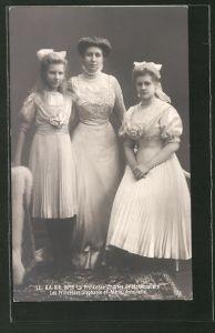AK Prinzessin Charles von Hohenzollern mit ihren Töchtern