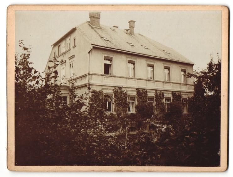 Fotografie unbekannter Fotograf, Ansicht Herrnhut, Wohnhaus im Ort