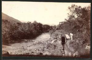 Fotografie Fotograf unbekannt, Ansicht Kaap River, Goldwäscher bei der Arbeit