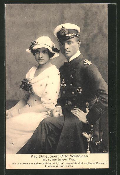 AK Kapitänleutnant Weddigen mit seiner jungen Frau, EK I und EK II
