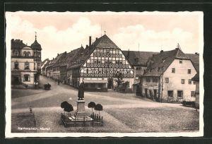 AK Hartenstein, Marktplatz mit Denkmal und Gasthof zum goldenen Lamm
