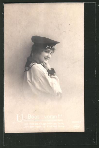 AK Frau in Matrosenuniform mit Mützenband U-Boot