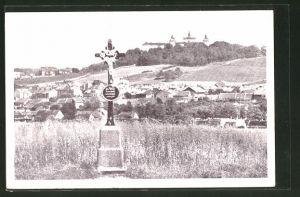 AK Svatá Hora, Pribrami, Panorama mit Denkmal im Vordergrund