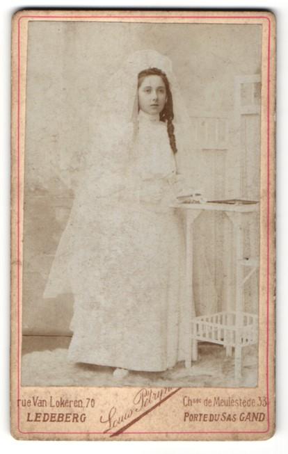 Fotografie Louis Pétryns, Ledeberg, Portrait Mädchen im Brautkleid ...