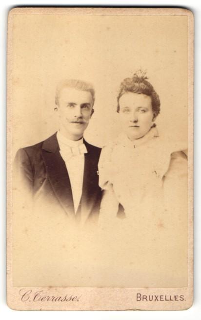 Fotografie C. Terrasse, Bruxelles, Portrait junges bürgerliches Paar