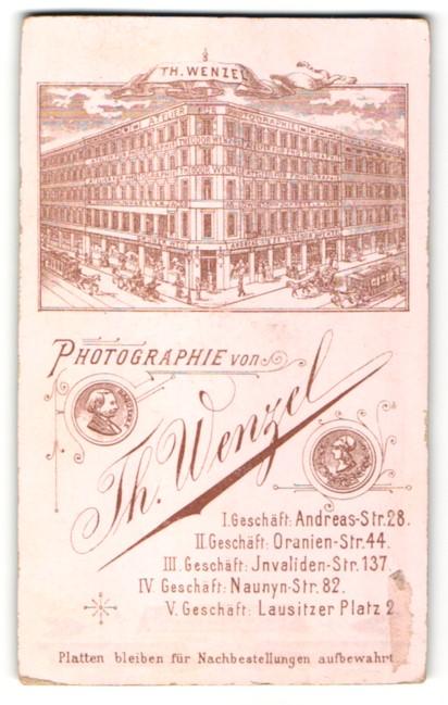 Fotografie Th. Wenzel, Berlin, Ansicht Berlin, Atelier für Photogrgaphie von Thomas Wenzel, Umseitig Portrait jungeMann