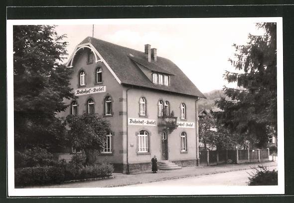 AK Kappelrodeck i. Schwarzwald, Strassenpartie am Bahnhofs-Hotel