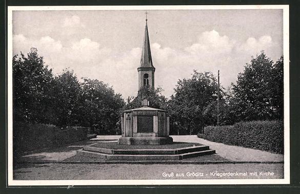 AK Gröditz, Kriegerdenkmal mit Kirche