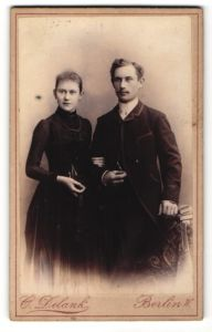 Fotografie C. Delank, Berlin W., Portrait junges bürgerliches Paar