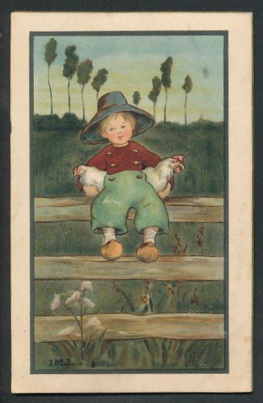 Künstler-AK I.M.J.: Junge mit Holzschuhen und Hühnern unter dem Arm auf einem Gartenzaun