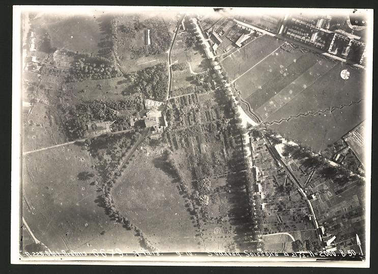 Fotografie 1.WK, Ansicht Soissons, Luftbild der Fliegerabteilung 225 zeigt Aufnahme des Frontverlauf's