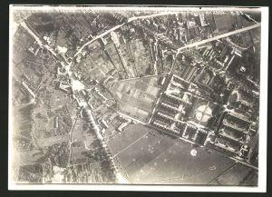 Fotografie 1.WK, Ansicht Soissons, Luftbild der Fliegerabteilung 225 zeigt Schützengraben am Stadtrand