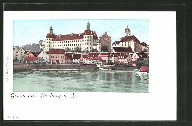 Goldfenster-AK Neuburg a. D., Gesamtansicht mit leuchtenden Fenstern