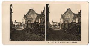 Stereo-Fotografie Fotograf und Ort unbekannt, Ansicht La Bassée, zerstörte Strasse