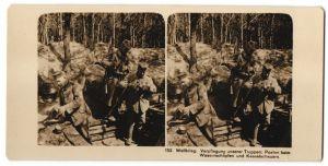 Stereo-Fotografie Fotograf und Ort unbekannt, Verpflegung deutscher Truppen, Wsserschöpfen
