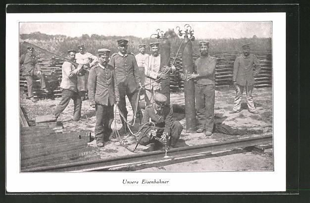 AK Eisenbahner bei Streckenarbeiten