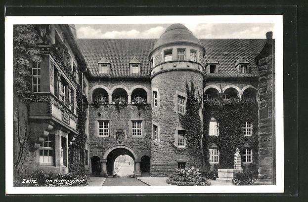 AK Zeitz, im Rathaushof