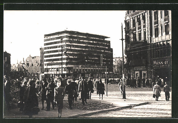 AK Berlin-Tiergarten, Potsdamer Platz mit Columbushaus in Trümmern