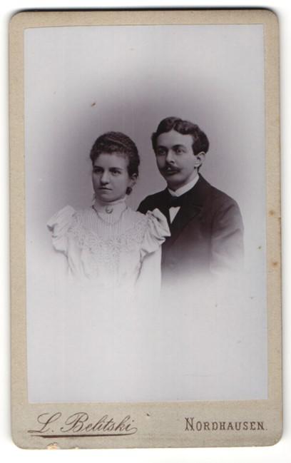 Fotografie L. Belitski, Nordhausen, Portrait bürgerliches Paar