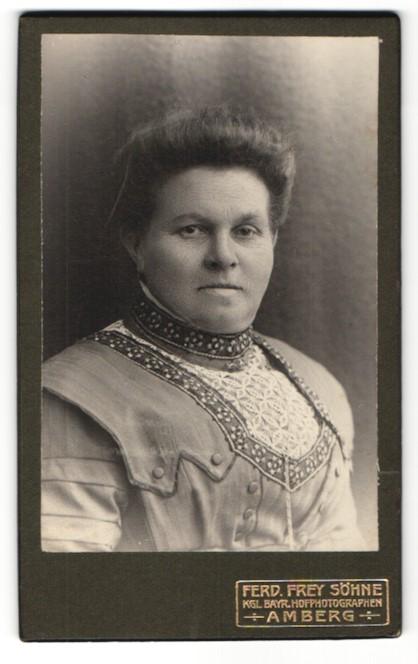 Fotografie Ferd. Frey Söhne, Amberg, Portrait ältere bürgerliche Dame