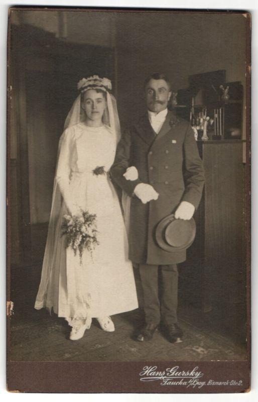 Fotografie Hans Gursky, Taucha, Portrait bürgerliches Hochzeitspaar