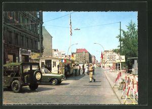 AK Berlin, Grenze am Checkpoint Charlie, Passierstelle Friedrichstrasse