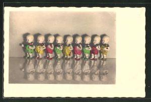 AK Puppen in bunten Kleidern