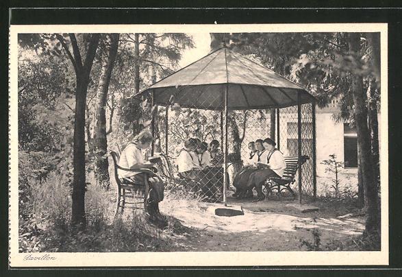 AK Lülsfeld, Kloster Maria Schnee, Haushaltungsschule, Pavillon mit Schülerinnen