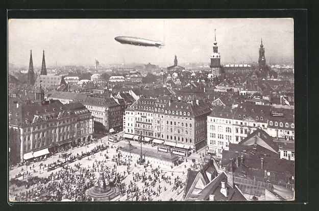 AK Dresden, Amerika-Zeppelin-Luftschiff Z.R. III. über dem Altmarkt