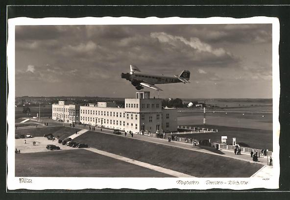 AK Dresden-Klotzsche, Flieger über dem Flughafen