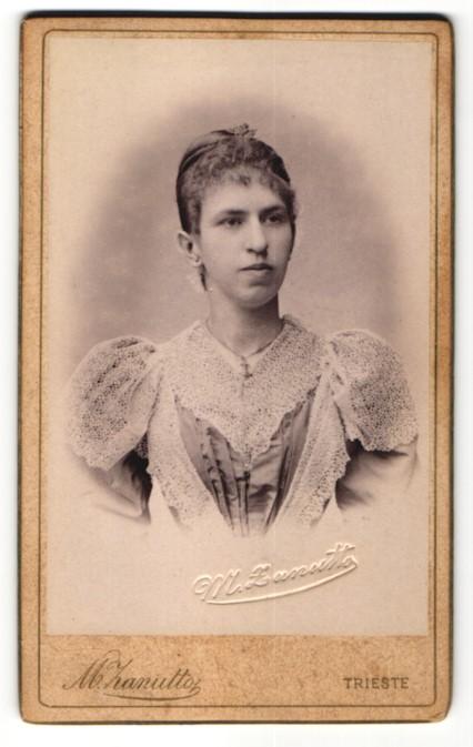 Fotografie M. Zanutto, Trieste, Portrait bürgerliche junge Frau