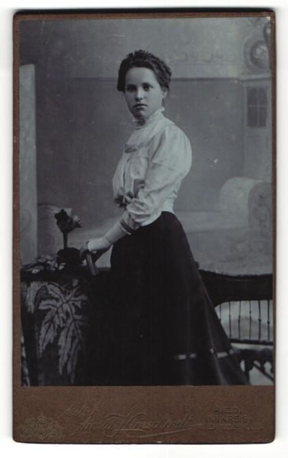 Fotografie Arnold Hirnschrodt, Ried, Portrait bezaubernde junge Dame