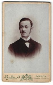 Fotografie Brückner J., Sopron, Portrait junger bürgerlicher Herr