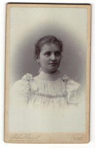 Fotografie Joh. Haupt, Iglau, Portrait Fräulein mit zurückgebundenem Haar