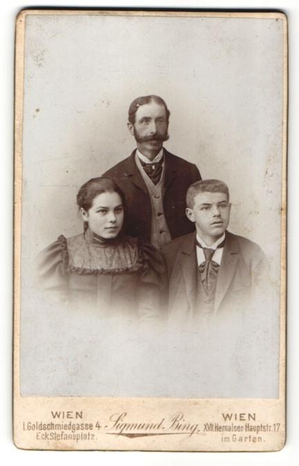 Fotografie Sigmund Bing, Wien, Vater mit seinen Kindern