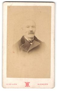 Fotografie A. Veillon, Alencon, Portrait älterer Herr mit Schnauzbart