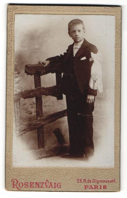 Fotografie Rosenzvaig, Paris, Portrait Knabe in feierlichem Anzug