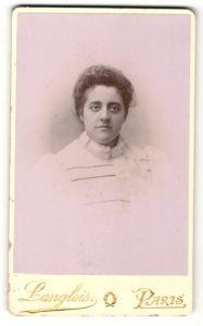 Fotografie Langlois, Paris, Portrait junge Frau in weisser Bluse