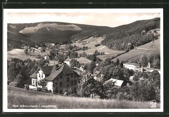 AK Bad Schwarzbach, Ortspanorama vom Berg aus gesehen