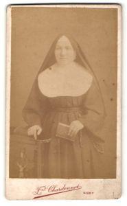 Fotografie Fnd Chardonnet, Vichy, Portrait kathol. Geistliche, Nonne