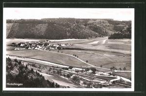 AK Hintschingen, Gesamtansicht mit Umland und Bahnhof vom Berg aus gesehen