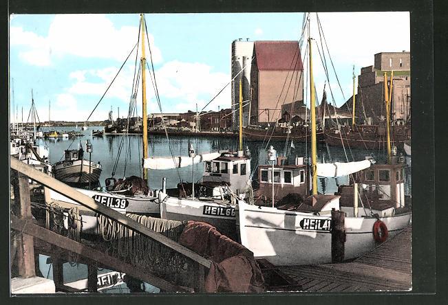 AK Heiligenhafen, Partie am Fischereihafen mit Fischerbooten