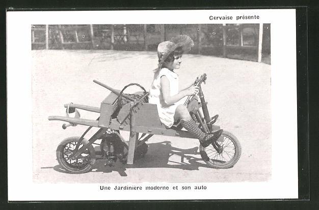 AK Une Jardinière moderne et son auto, auf Basis einer Schubkarre konstruiertes Dreirad