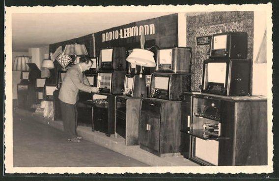 AK Stand der Firma Radio-Lehmann bei einer Ausstellung