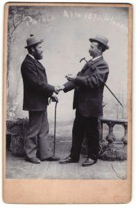 Fotografie unbekannter Fotograf und Ort, Parole - Alte 1870 Ulanen, zwei Veteranen