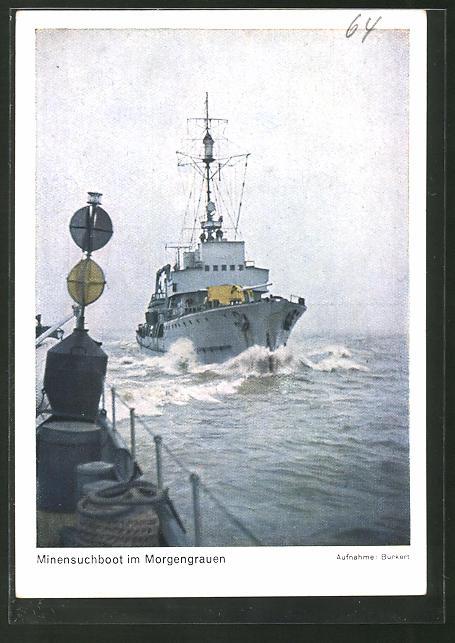 AK Minensuchboot im Morgengrauen